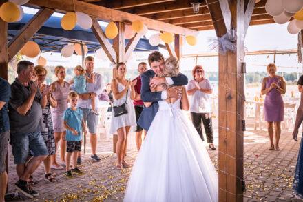 Svatební příběh Denči a Jardy v Rakové - Svatební fotograf Radek Vandra
